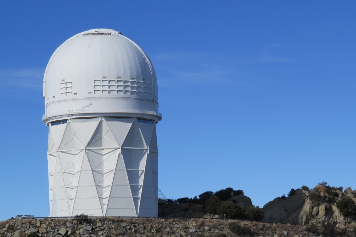 The dome of this awesome structure weighs 500 tons. The double shell structure comprising of 10 hexahedron sections can withstand hurricane force winds of up to 120 miles per hour. The Mayall lies on the northern side of the observatory.