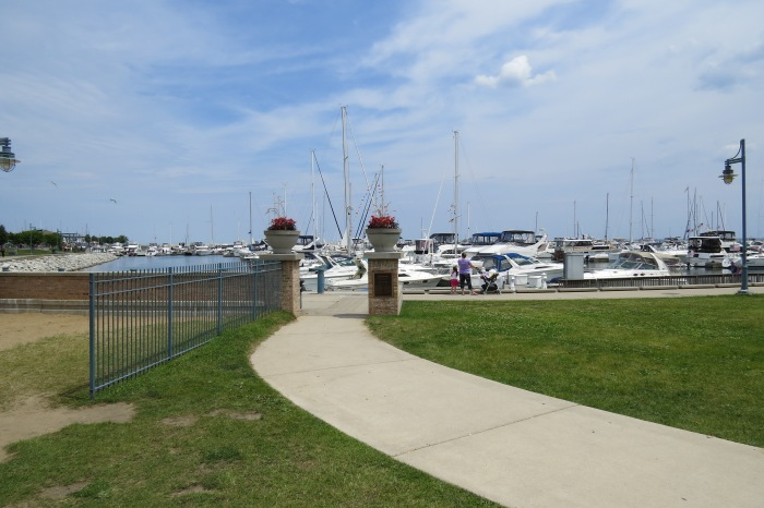 With the Harbor Market coming to a close for this Saturday, it is time to take a stroll along the lake and look at the boats in the pier.